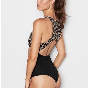 Victoria Secret Sport Animal Print Bodysuit Small
